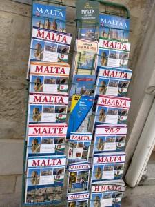 Путеводитель по Мальте можно купить на любом языке